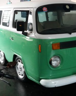 1986 VW Mini Bus
