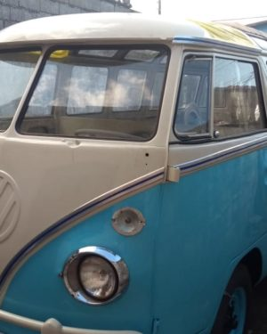 1974 VW Bus 23 Windows