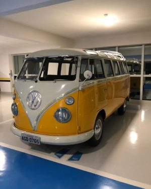 1972 VW Bus 23 Windows