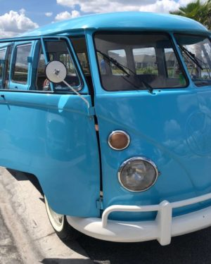 1975 VW Bus 15 Windows