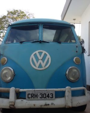 1974 VW Bus 15 Windows
